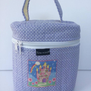 lila pöttyös kozmetikai táska