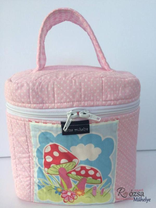 rózsaszín, pöttyös kozmetikai táska